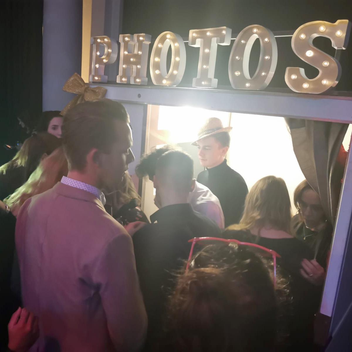 Zakelijk borrel photobooth bedrijfsfeest