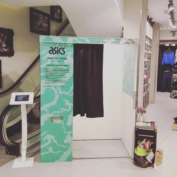 Photobooth branding asics